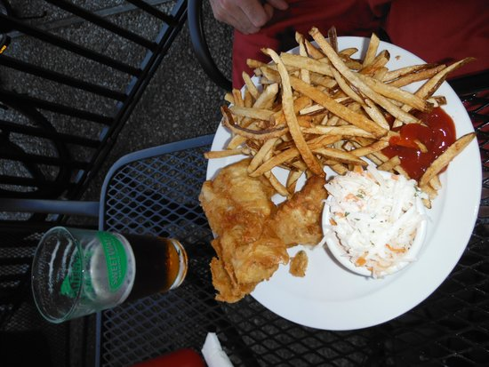 Banks Channel Pub and Grille : fish & chips