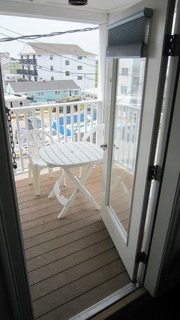 Atlantic Breeze Suites: Balcony rear
