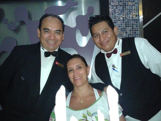 Hotel Riu Palace Peninsula: Chef Henrique e Alex. Último jantar produzido com mto carinho ...