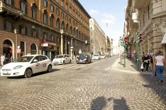 iQ Hotel Roma: Streets Near IQ Hotel