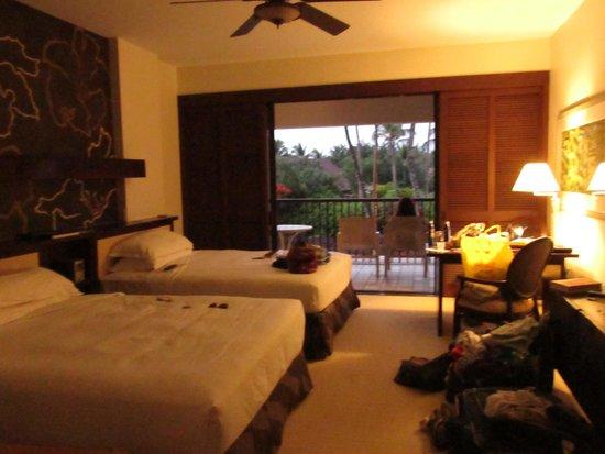 Mauna Lani Bay Hotel & Bungalows: beds