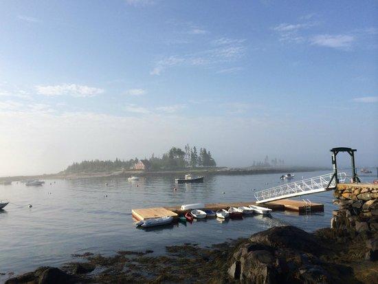 Newagen Seaside Inn: Early morning fog at the Newegan Seaside Inn