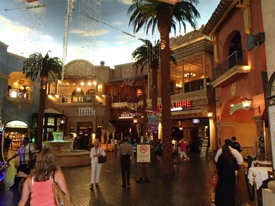 Tropicana Atlantic City: Courtyard