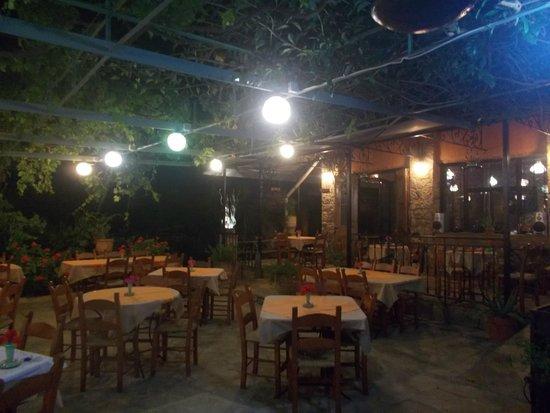 Apokoronas, Hellas: To Yaladiko