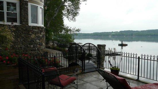 Steamboat Castle Bed & Breakfast: deck area