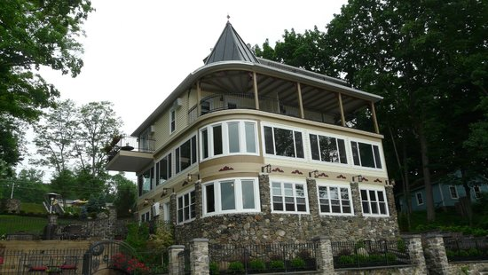 Steamboat Castle Bed & Breakfast: from the dock
