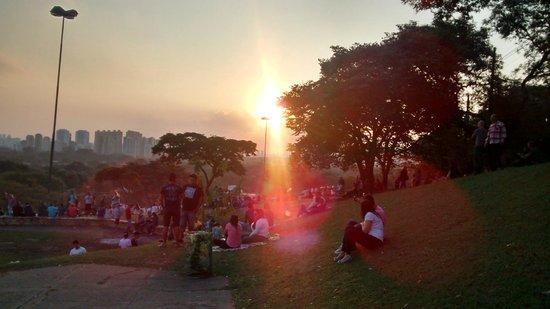 Sunset Square : 1