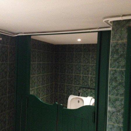 Brasserie Le Central : Interesting restaurant bathroom
