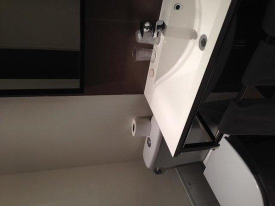 Hotel des Ducs : bathroom