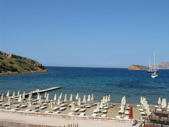 Aegeon Beach Hotel: View out to sea