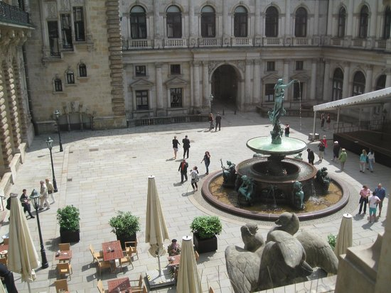 Town Hall: Interior courtyard by old stock exchange