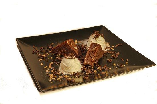 SAPORE Restaurante & Lounge Bar : Brownie con helado de mascarpone