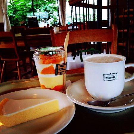 Meiji Palace Cake Shop: Cheese cake, mango parfait and cafe au lait! ❤️ yummy