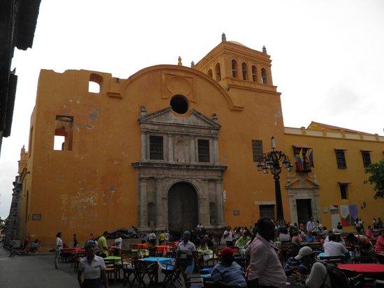 Plaza Santo Domingo: igreja Santo Domingo