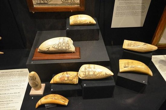 New Bedford Whaling Museum: Scrimshaw