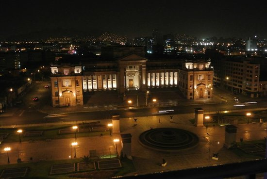 Sheraton Lima Hotel & Convention Center: Night view