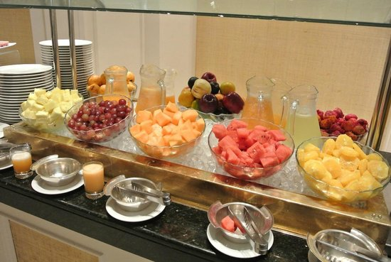 Sheraton Lima Hotel & Convention Center: Breakfast