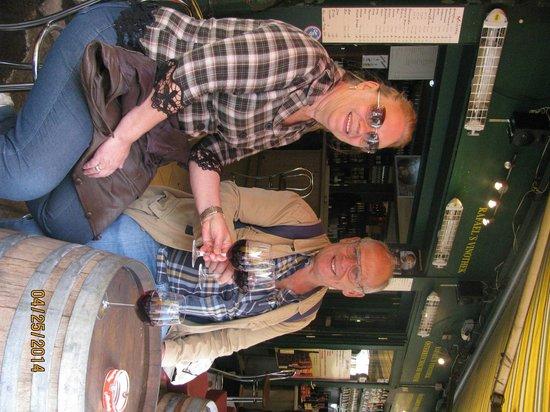 Vienna Naschmarkt : degustando vinho