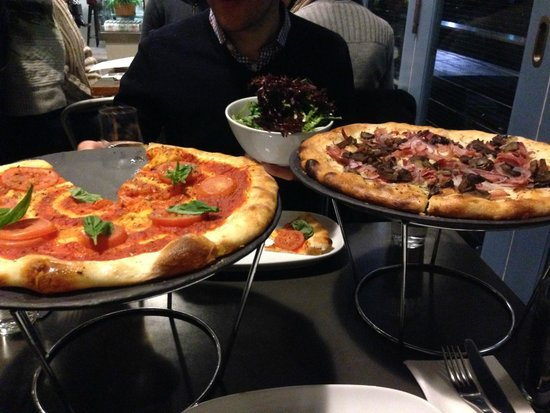 Leura Garage: Great Pizza