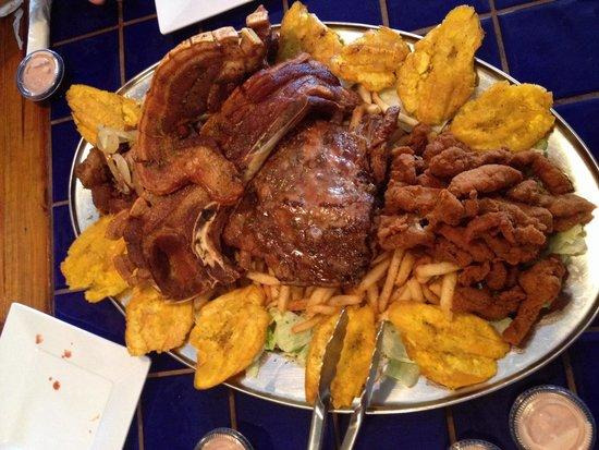LIBRAS Steakhouse & Seafood : Plato familar