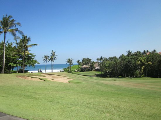 Nirwana Bali Golf Club: First view of the ocean