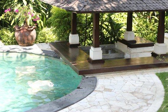 Leha Leha Villa: Pool bar