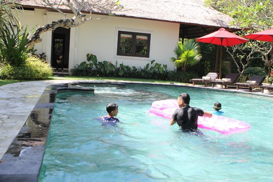 Leha Leha Villa: Pool