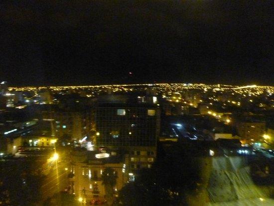 Alejandro 1 Hotel Internacional Salta: Vista nocturna desde habitación