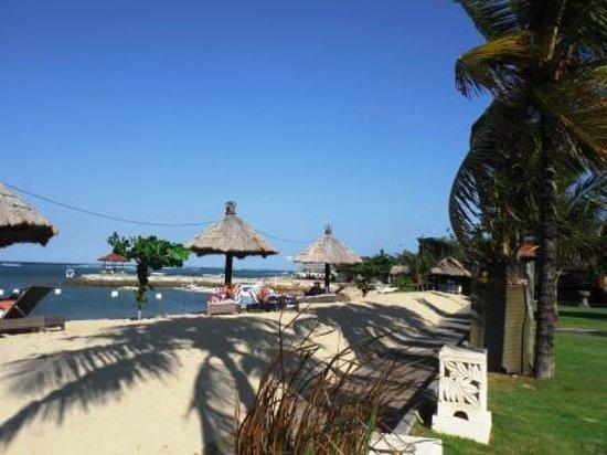Sadara Boutique Beach Resort: プライベートビーチをパチリ