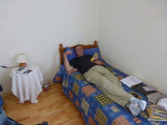 Bizkarreta-Gerendiain, Espanha: One of the twin beds in the room