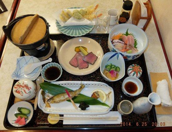 Ryusendo Onsen Hotel : ビジネスパックの夕食です。