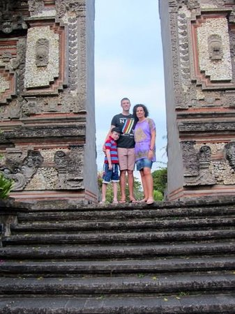Nusa Dua Beach Hotel & Spa: lovely entrance gates