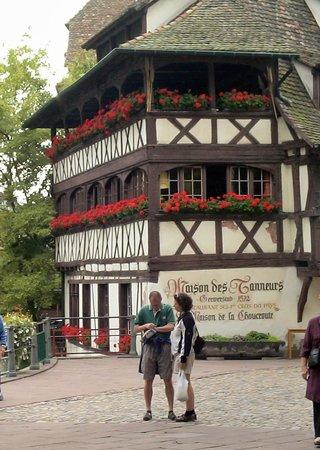 La Petite France: 木組みの美しい家がたくさん