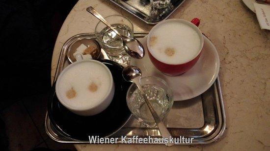 Café Diglas: Melange (Kaffee)