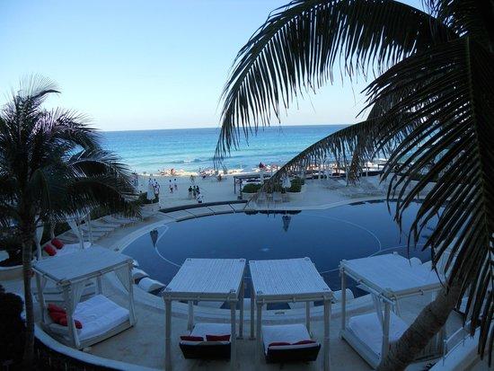 Sandos Cancun Luxury Resort: piscine