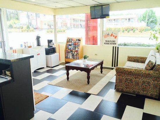 Duffys Motel: Lobby 2