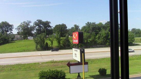 Econo Lodge : View of Route 66