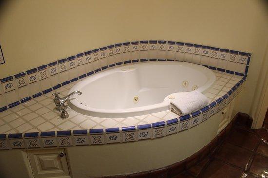 Hacienda del Mar Los Cabos : Big tub