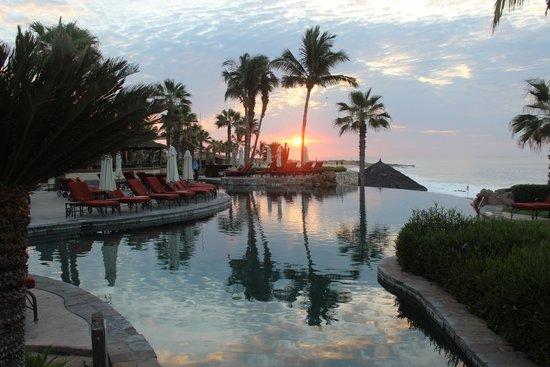 Hacienda del Mar Los Cabos : Sunrise over the pool