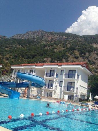 NOA Hotels Oludeniz Resort Hotel: Бассейн