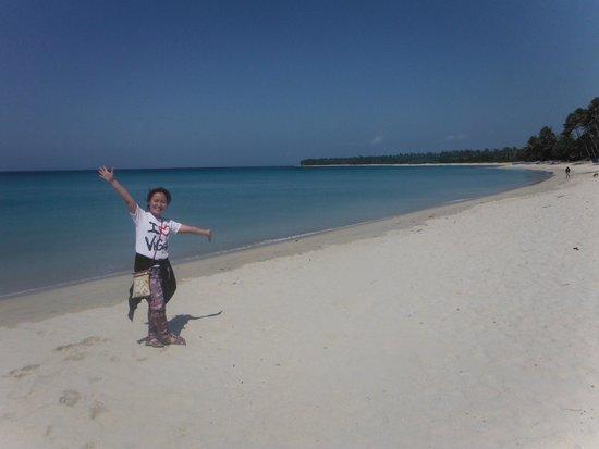 Saud Beach : white sand beach