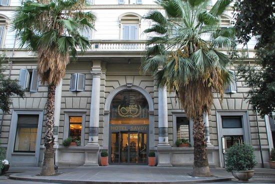 Hotel Savoy : 入口前