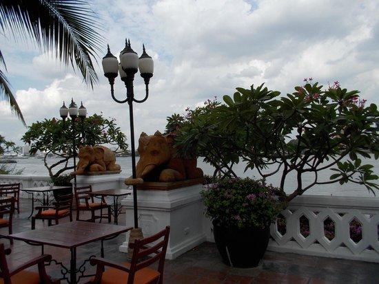 Anantara Riverside Bangkok Resort: landscape