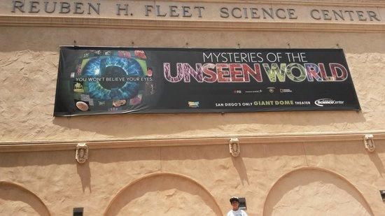 Fleet Science Center : Outside the bldg