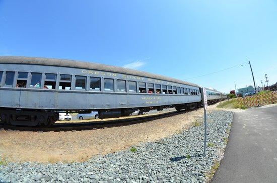 Oregon Coast Scenic Railroad : Open window railroad car
