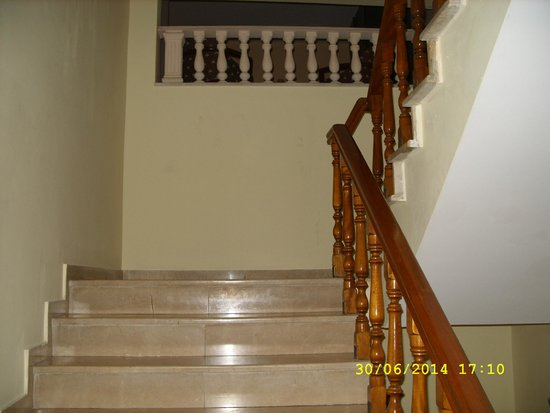 Sun Maris City Hotel: лестница