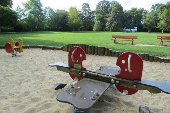 Hotel Crocus : Aux alentours, parc pour enfants