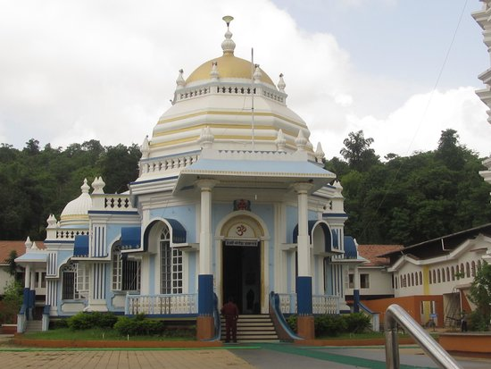 Farmagudi Residency : Mangeshi Temple