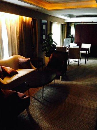 Sofitel Xian on Renmin Square: living room (suite 5326)