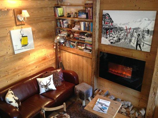 Les Cimes : Reading area